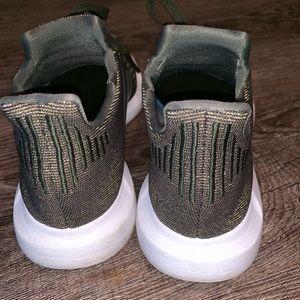 adidas Shoes - Adorable Adidas!